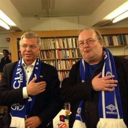 Kjell Magne Bondevik og Carl Morten Amundsen under fremføringen av Moldesangen.